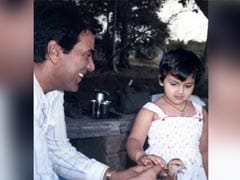 """""""He-Man"""" Dharmendra With """"Small Birdie"""" Esha Deol In A Major Throwback"""