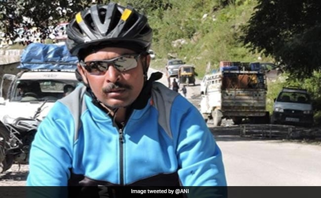 Army Officer Sets New Guinness Record For 'Fastest Solo Cycling'