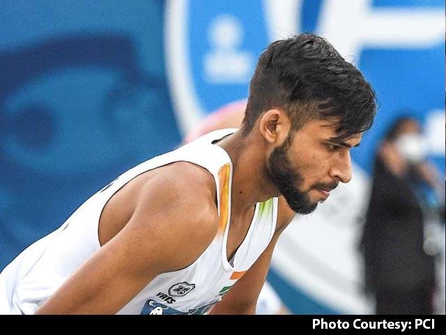 Video : Tokyo Paralympics: India's Praveen Kumar Wins Silver In Men's High Jump T64 Final
