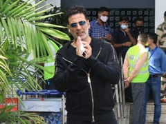 Akshay Kumar Flies Back To UK With Family Days After Mother's Death