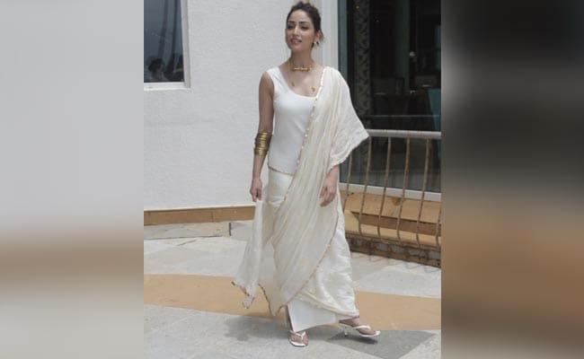 Called 'Fair And Lovely' By A Paparazzo, This Is How Yami Gautam Reacted