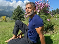 """Milind Soman Is Busy """"Showing Off"""" In Gulmarg. (His Words)"""