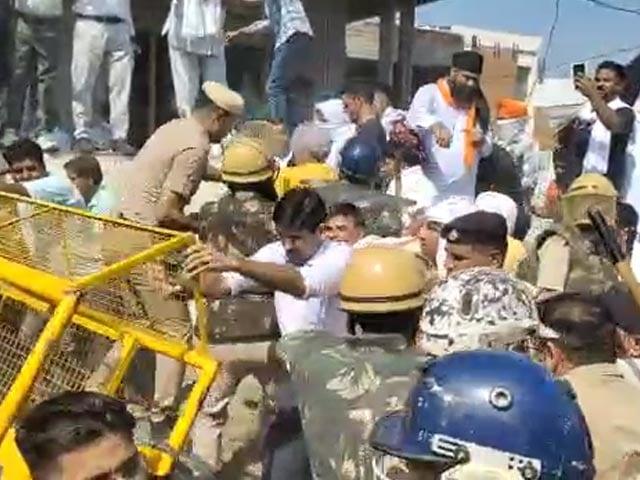 Video : Farmers, Cops Clash Yet Again In Haryana, Barricades Knocked Down