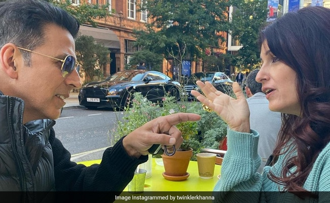 Akshay Kumar And Twinkle Khanna's 'Jab We Met To What The Heck' Story In 6 Pics