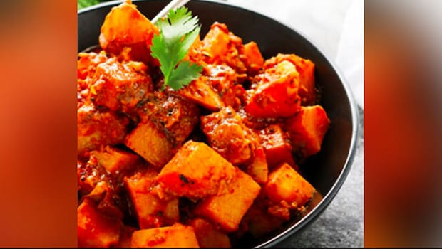 Aloo Vindaloo - Enjoy The Taste Of Goa At Home With This Spicy Curry