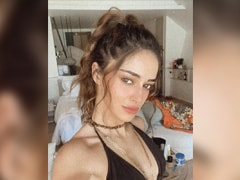 """Ananya Panday Is A """"Hot Mess"""" In This Pic From The Maldives"""