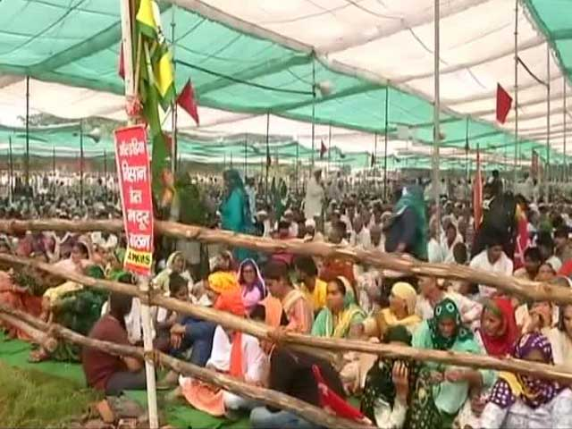 Video : Farmers Resolve To Continue Protest At Mega Gathering In UP