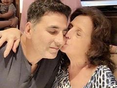 """Sure Mom Is Singing Happy Birthday To Me,"" Writes Akshay Kumar"