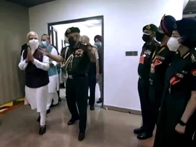 Video : PM Inaugurates New Complexes For Defence Offices