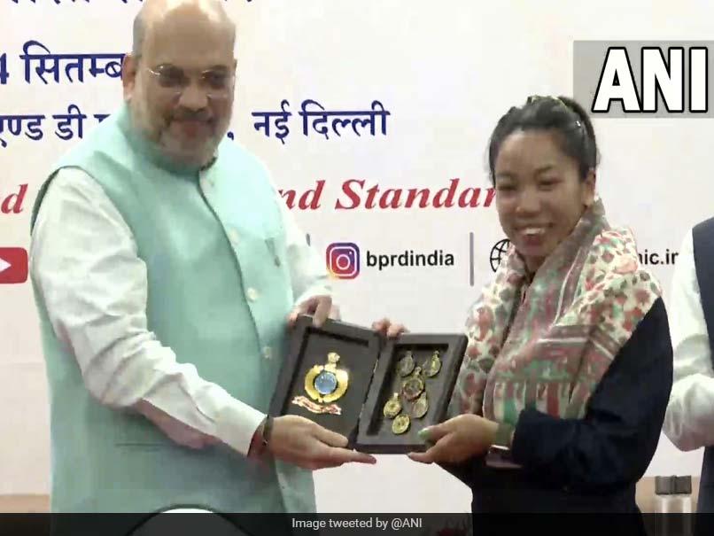 Amit Shah Felicitates Olympic Silver Medallist Mirabai Chanu