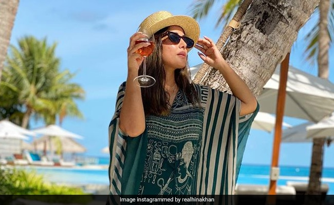 Sun, Sand And Sea: Hina Khan Lists Vacation Essentials With Stunning Pics From Maldives