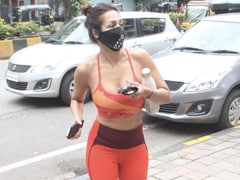 Malaika Arora's Yoga Outfit Is Bright And Just Right For Some Weekend Motivation