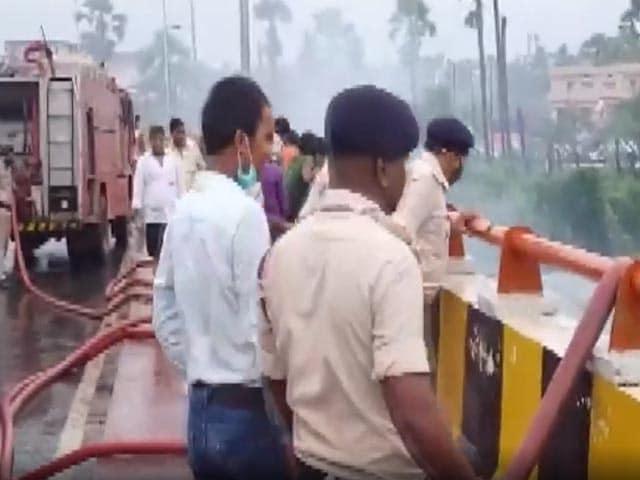Video : Massive Fire Breaks Out Factory In Patna Sahib