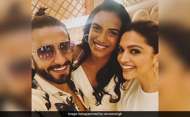 Deepika Padukone And Ranveer Singh Had A 'Smashing Time' With PV Sindhu At Dinner