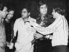 Count The Celebs In Amitabh Bachchan's Star-Studded Throwback