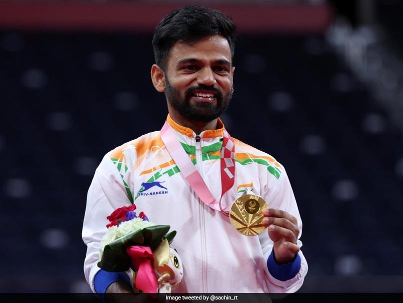 Tokyo Paralympics: Shuttler Krishna Nagar Dedicates Gold Medal To His  Parents | Olympics News