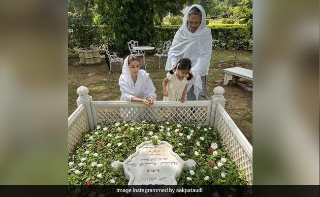 On Tiger Pataudi's 10th Death Anniversary, How Sharmila Tagore, Soha And Inaaya Remembered Him