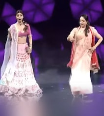 Hema Malini Dances Dharmendra-Style And The Result Is...