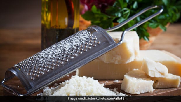 Do Indian Food Bloggers Overuse Cheese? Twitter Users Share Memes