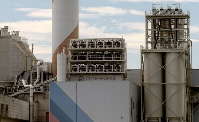 World's Largest Plant Capturing Carbon Dioxide From Air Starts In Iceland