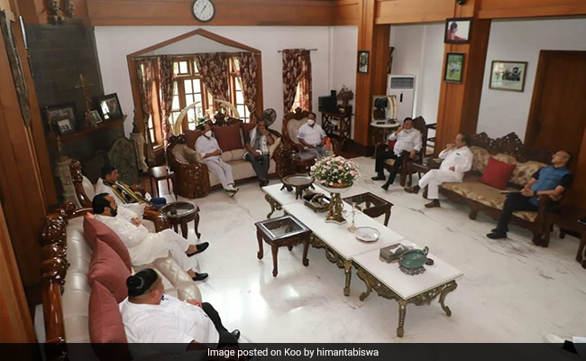 Assam, Nagaland Chief Ministers Hold Talks With Naga Group In Dimapur