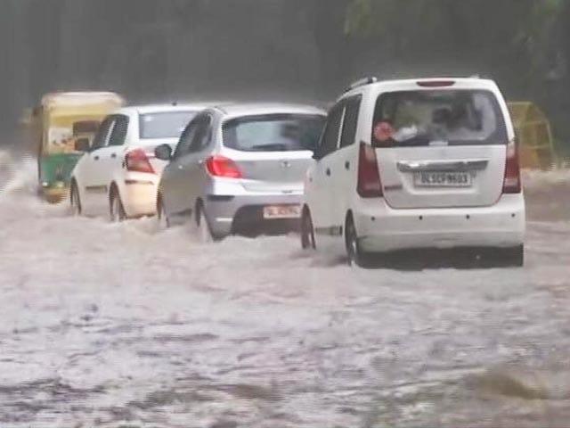 Video : Heavy Rain In Delhi For Third Consecutive Day