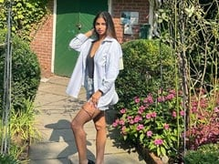 Suhana Khan's Sunday Chill In New Pics. See Here