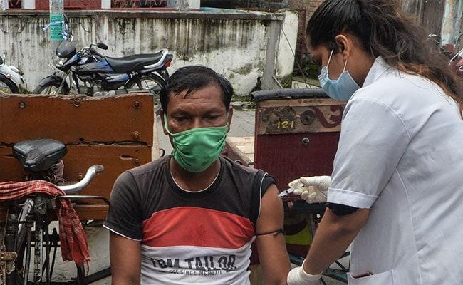 Coronavirus India Updates: महाराष्ट्र में नौ करोड़ लोगों को लग चुके हैं कोविड के टीके