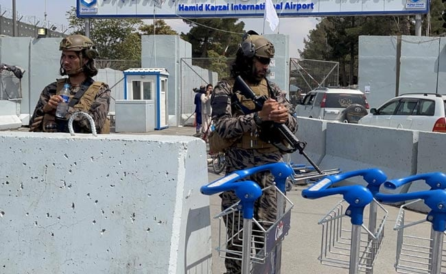 Urged By US, Taliban Agrees To Let 200 Foreigners Leave Afghanistan