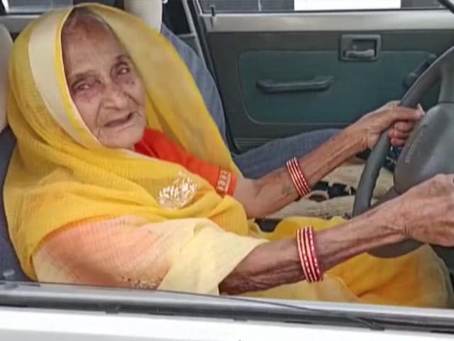 """Video : Madhya Pradesh Woman, 90, Learns To Drive, """"Inspired"""", Says Chief Minister"""