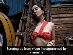 Anusha Dandekar Is A Casual Chic Fashionista In An Orange Bandeau Top And Jeans