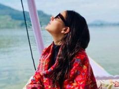 Kashmir, Through The Eyes Of Sara Ali Khan. See Pic From Dal Lake