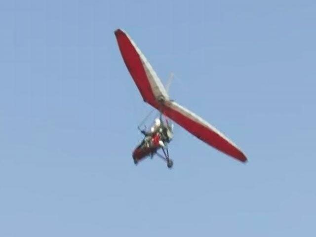 Video : Air Show Along The Banks Of Dal Lake In Srinagar