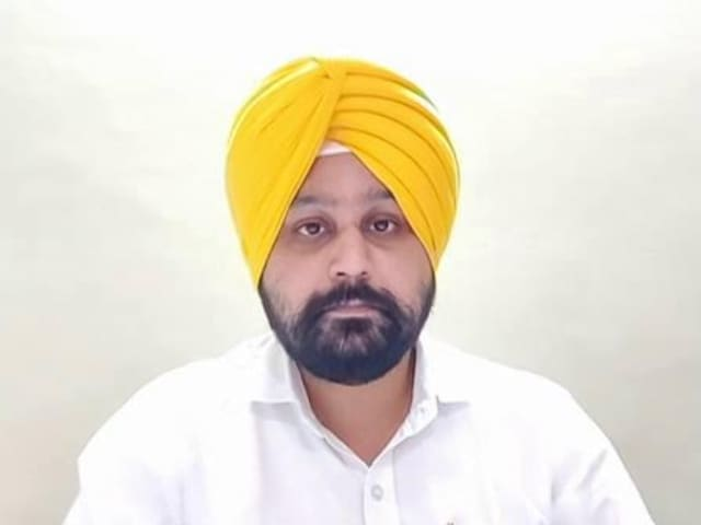 """Video : """"Open To Taking People Who Talk About Issues Of Punjab"""": AAP"""