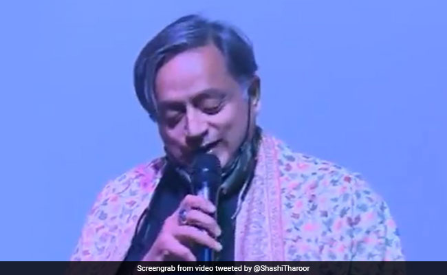 Video: When Shashi Tharoor Sang Ek Ajnabee Haseena Se On Stage