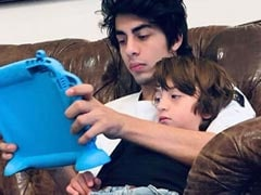 """""""Brothers Who Play Together..."""": Shah Rukh Khan's Comment On Pic Of Aryan And AbRam Wins The Internet"""