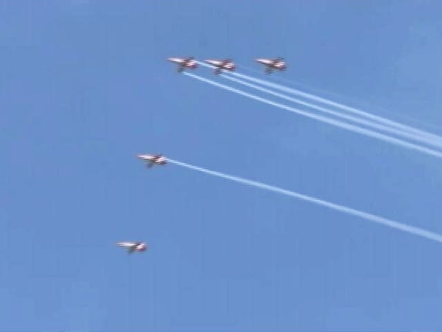 Video : Video: Su-30s, MiG-21s, Chinooks Roar In Srinagar Air Show After 14 Years