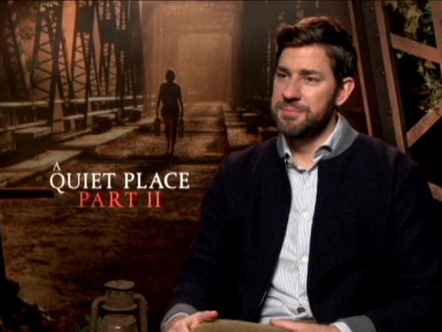 Video : John Krasinski Talks About Directing Emily Blunt in <i>A Quiet Place 2</i>