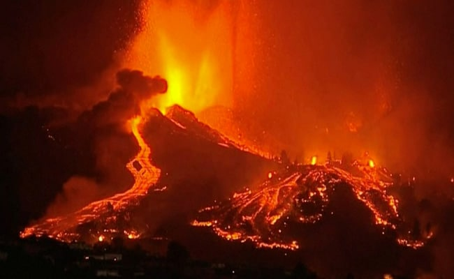 Lava Pours Out Of Volcano In Spain's Canary Islands