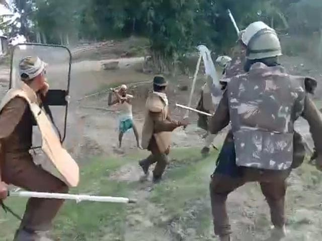 Video : On Camera, Assam Cops Thrash Protesters, Open Fire During Eviction Drive