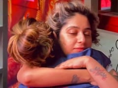 """<i>Bigg Boss OTT</i>: """"Gained Friends Like Family,"""" Writes Neha Bhasin After Eviction. The Friends Are..."""