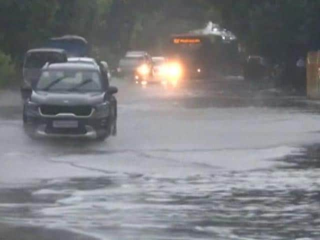 Video : Delhi Streets Water-Logged Amid Heavy Rain