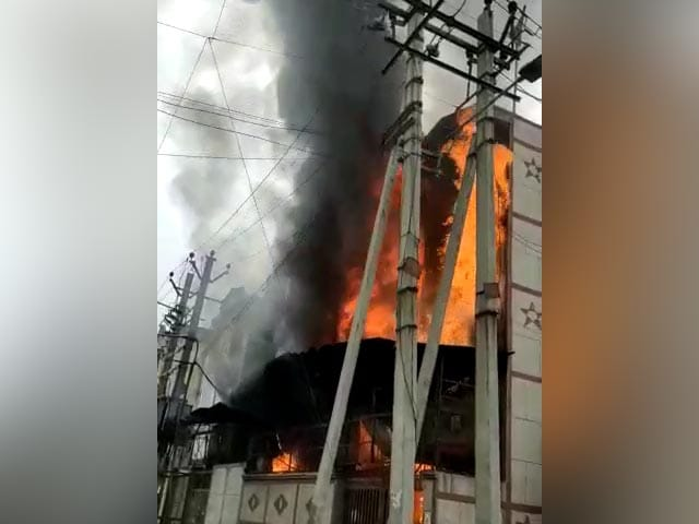 Video : Massive Fire Breaks Out At Delhi Factory, Fire Engines At Spot