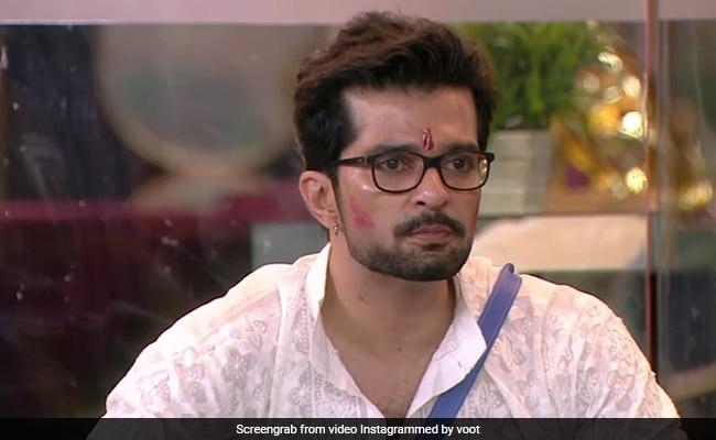 Bigg Boss OTT: Karan Johar Calls Out Raqesh Bapat For Sexist 'Men Are Stronger Than Women' Comment