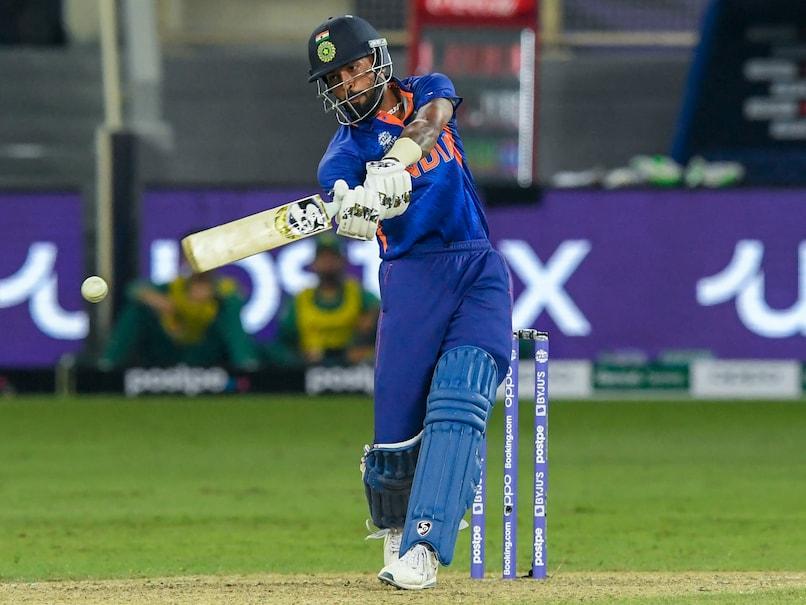 Hardik Pandya Taken For Scan After Being Hit On Shoulder In Match Against Pakistan