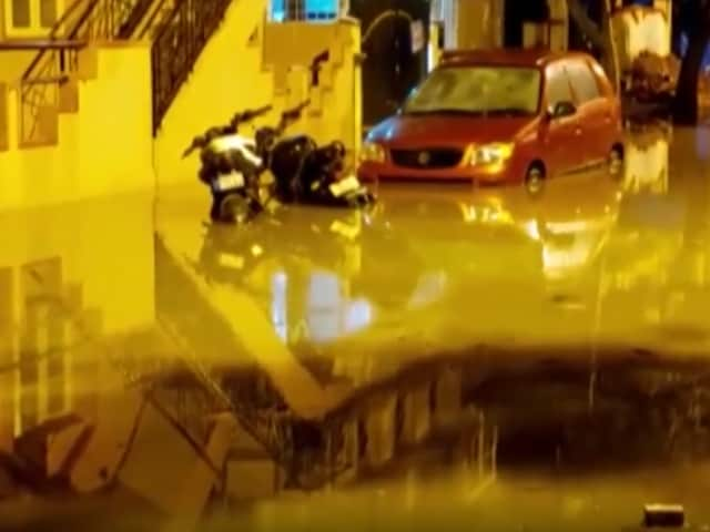 Video : Bengaluru Lake Overflows, Several Localities Flooded After Heavy Rains