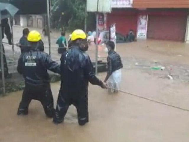 Video : 21 Killed In Kerala Rain, Armed Forces On Guard, Rescue Efforts On