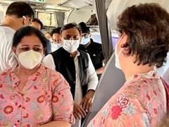 Priyanka Gandhi, Akhilesh Yadav Meet Onboard Delhi-Lucknow Flight