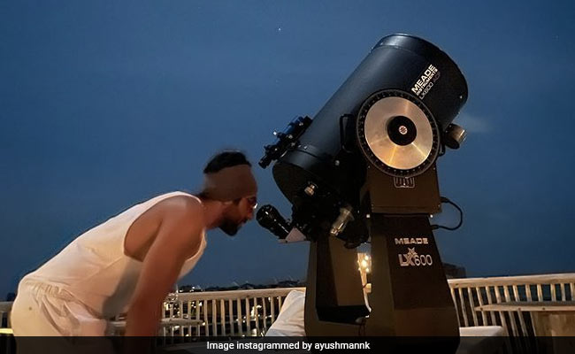 """Ayushmann Khurrana Saw """"Jupiter's Four Moons And Saturn Rings"""" Through A Telescope In Maldives. Read His Post"""