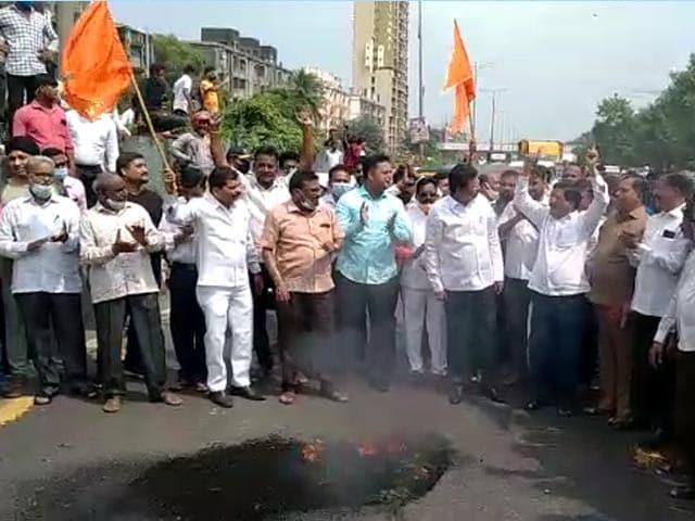 Video : No Buses, Mumbai Commuters Stranded Amid Maharashtra <i>Bandh</i>